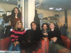 Slovenska redakcija BBC s sodelavci in urednikom Brankom Kastelicem, London, Bush House 2004